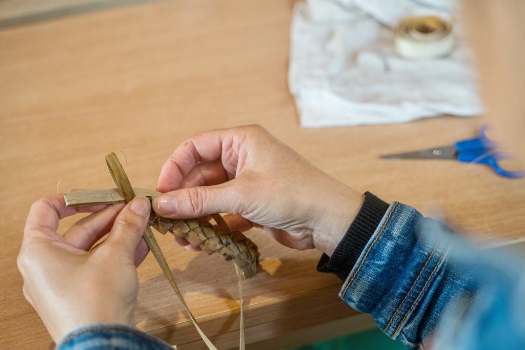 Atelier Brins de Malice - stage - vannerie - tissage -écorces de saule