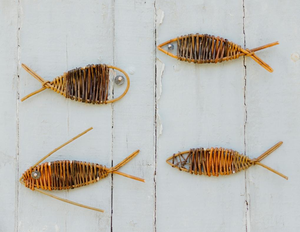 Petits poissons d'osier en stage à l'Atelier Brins de Malice - Vannerie d'Art